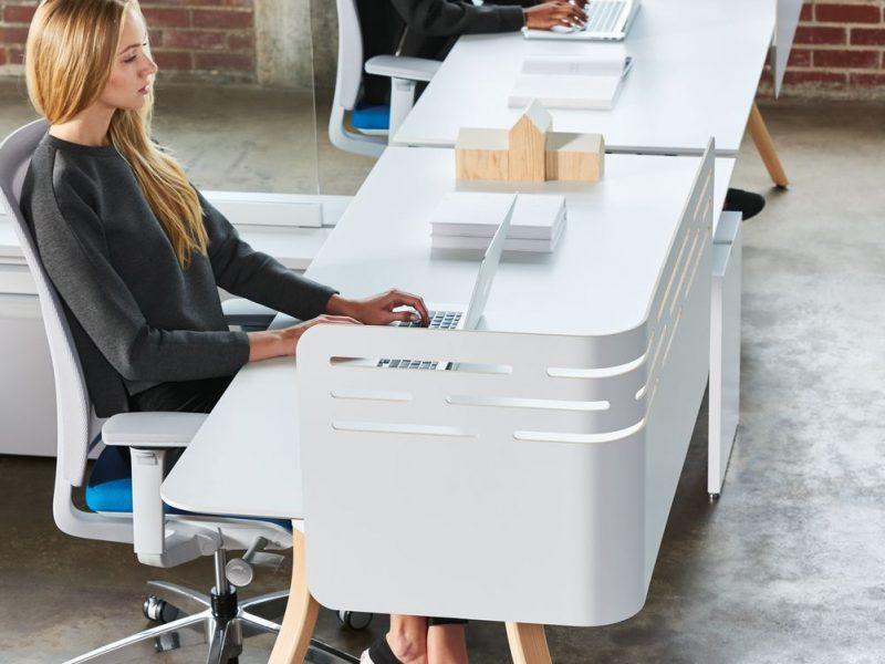 Low-upStage-with-Zones-Corner-Desk-Edge-Screens